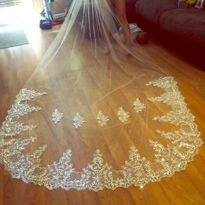 1 tier 4m cathedral veil WHITE